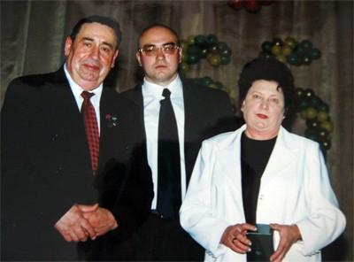 Николай Касьян с женой и сыном