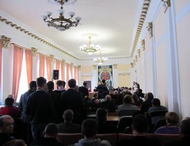 Представники влади, перевізників та громади Полтави повністю заповнили сесійну залу