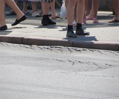 В Полтаве дороги не выдерживают высокой температуры