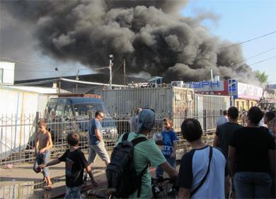 В Полтаве горит центральный рынок