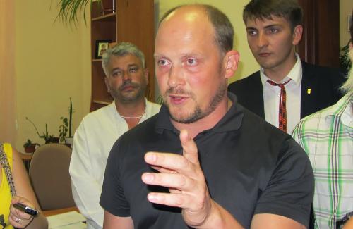 На полтавских нардепов подадут в суд