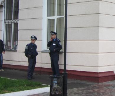 Милиция возле рынка