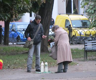 Богдан Андреев продаёт молоко