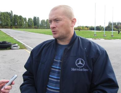 Организатор соревнований Владимир Денисенко