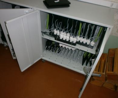 Сейф для зберігання комп'ютерів