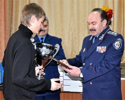 Михайло Цимбалюк вітає переможців