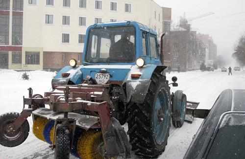 Розчистка снігу на дорогах Полтави
