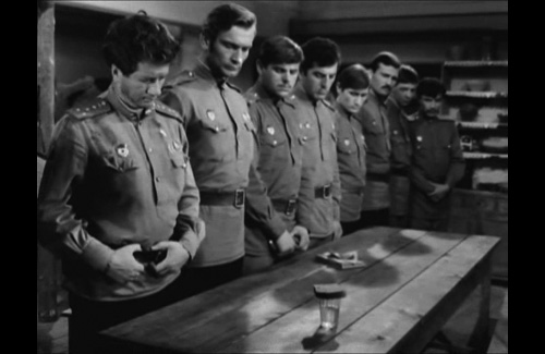 Кадр из фильма «В бой идут одни старики»