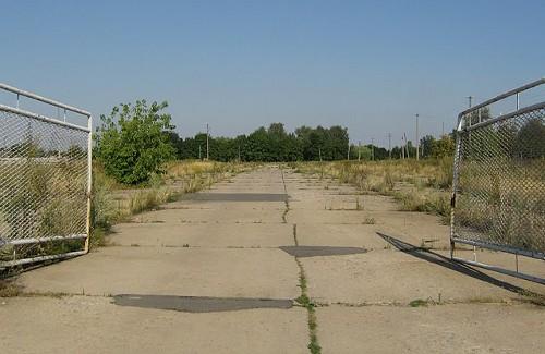 Ворота аеродрома гостеприимно открыты для байкеров