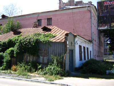 Житловий будонок по вул. Жовтневій, 61