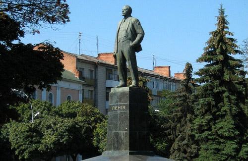 Памятник Ленину в Полтаве
