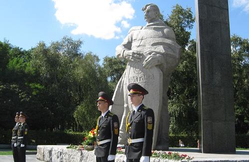 В Полтаве отметили 65-летие со дня окончания Второй мировой войны