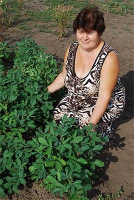 Наталія Удовенко з екзотичним арахісом