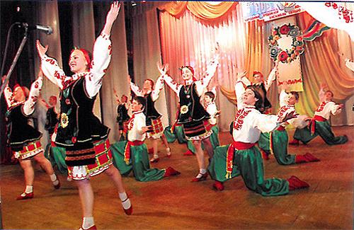 Народний художній колектив ансамбль танцю «Барвінок»