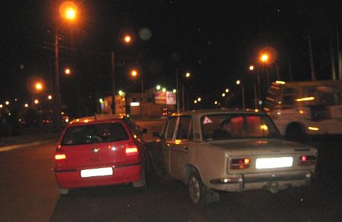 Дорогу не поделили «ВАЗ 2103» и «Фольксваген Гольф»