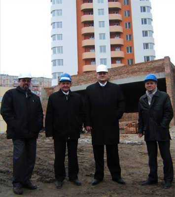 Андрій Баранов на будівництві