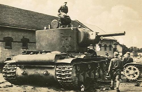КВ-2. Монстр радянського танкобудування, до розробки якого був залучений Духов