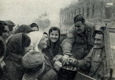 Полтавчане встречают освободителей