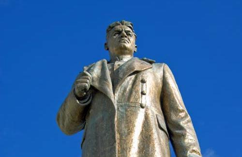 Пам'ятник Олексію Зигіну в Полтаві