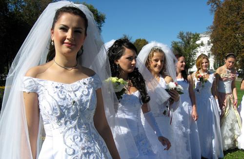 В чем притягательная сила свадебного платья?