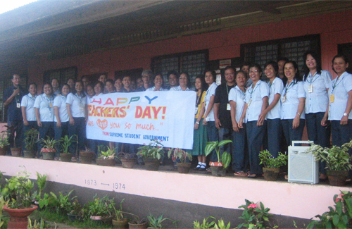 Филлиппины уже празднуют Всемирный день учителя — 2010