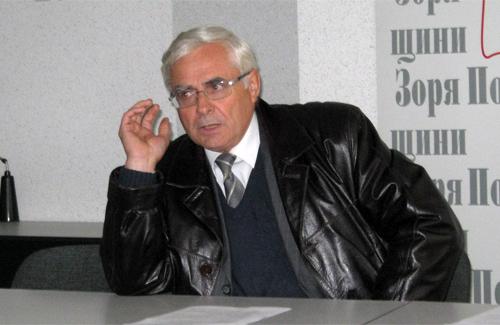 Микола Лебедик слухає громадську думку