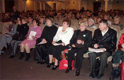 Тільки четверо кандидатів у мери Полтави не злякалися об'єднаних жінок