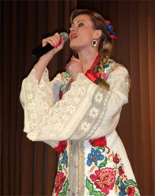 Виконана колись Раїсою Кириченко пісня на слова Марії Бойко зазвучала по-новому