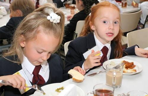 Дітей у Полтаві годують продуктами сумнівної якості?