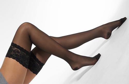 фото женские ножки в чулках