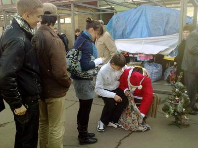 Флешмоб возле центрального рынка в Полтаве