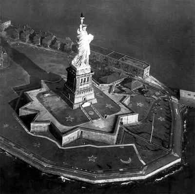 28 октября 1885 года состоялось официальное открытие Статуи Свободы