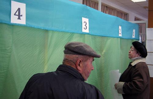 120 минут полтавских выборов — нужно больше кабинок для голосования