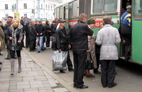 Пенсионеров Полтавы высаживают с автобусов СП «УМАК»?