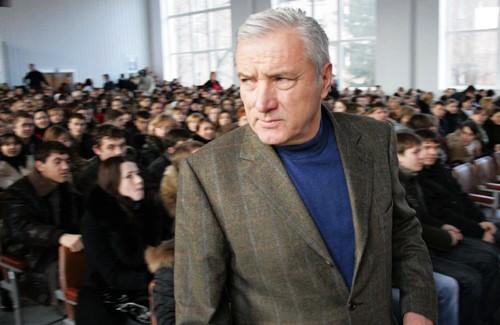 Петро Ющенко в Полтавському національному педагогічному університеті