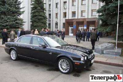 Большинство депутатов Кременчуга приехали на первую сессию на иномарках
