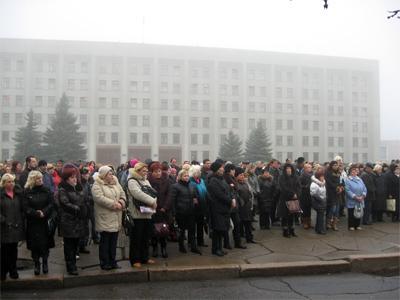 Сьогодні біля приміщення облради та облдержадміністрації вкотре мітингували підприємці