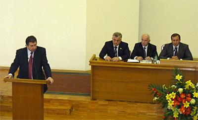 В «необычном» Кременчугском горсовете обошлись обычными решениями