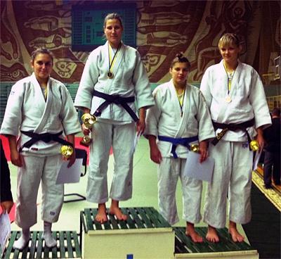 Надія Картошкіна — праворуч (3 місце)