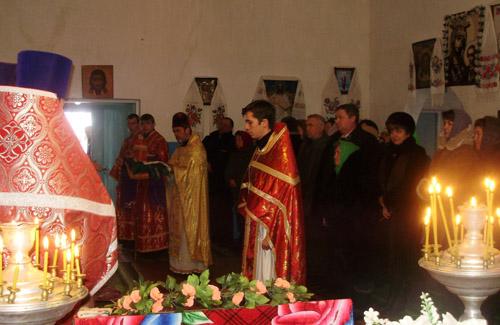 Віряни «кинули» церкву Московського патріархату заради Київського