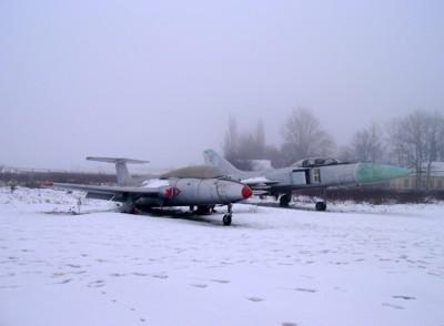 Су-15 и L-29