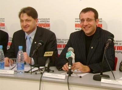 Олександр Русін та Антон Петько під час прес-конференції