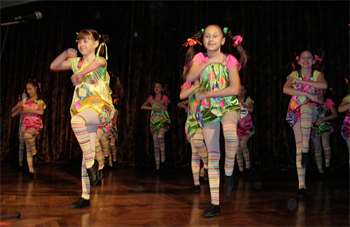 Відкривав гала-концерт зразковий хореографічний колектив «Пірует»