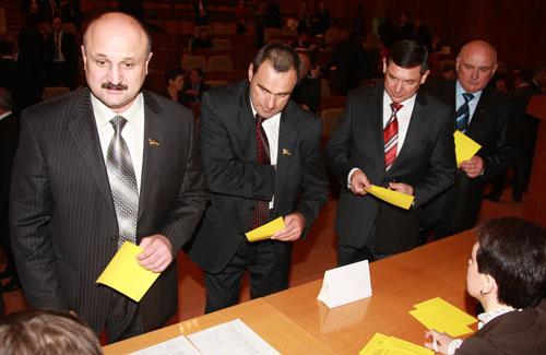 Чем дольше правит Янукович — тем больше нравится Бандера
