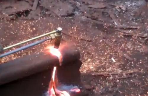 Газовый резак в действии