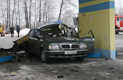 взорвался легковой автомобиль