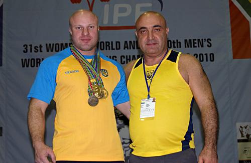 Михаил Буланый со своим тренером Лерником Матосяном