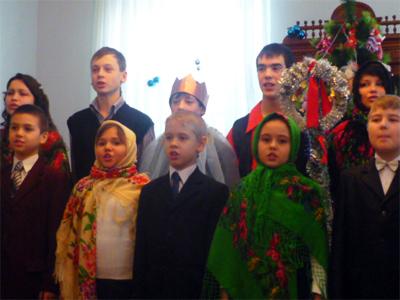 Вертеп у музеї Короленка (сценки розігрують учні полтавської школи №27)