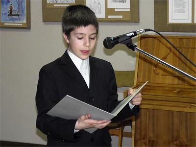 Діти зачитують вірші Олександра Лаврентьєва