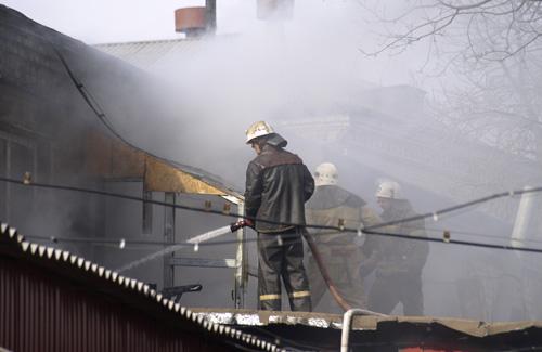 Пожар в доме лишил дочь отца